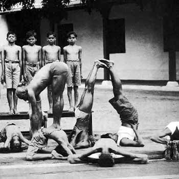 krishnamacharya_mysoreschool