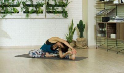 clase-yoga-desde-cero-vuela-expande-tu-espacio-retina_460x272