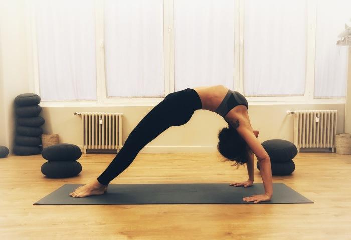 Posturas Yoga Almudena Yoga Life